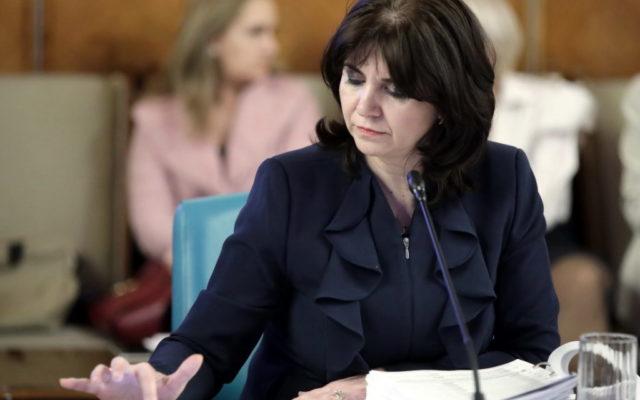 """Ministrul Educatiei isi cere scuze pentru vizita din Ialomita: """"Nu am fost atenta la prezenta presei si expunerea copiilor"""""""