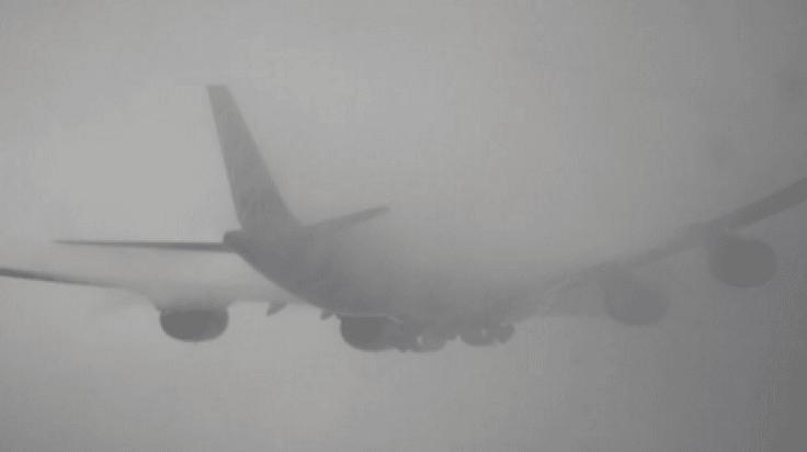 Haos pe aeroportul din Cluj, după ce mai multe curse au fost anulate din cauza ceții.