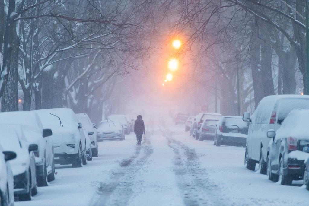 METEO: ANM a emis cod galben! Viscol și ninsori!