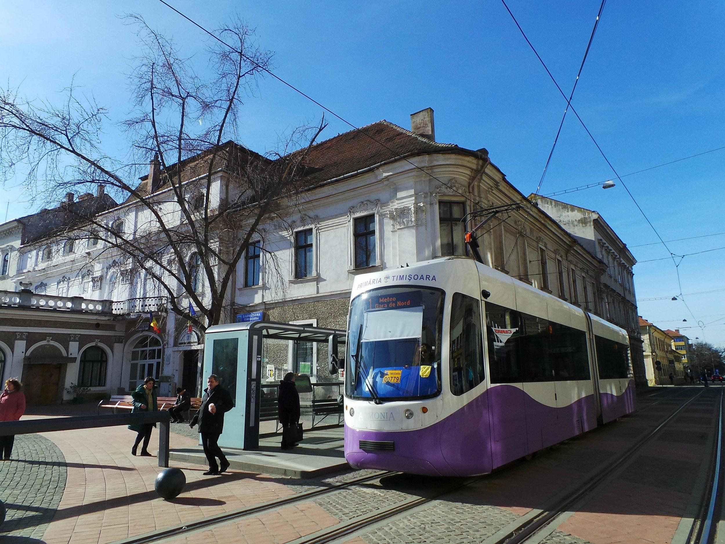 O fată a fost agresată sexual de un individ într-un tramvai, în Timișoara