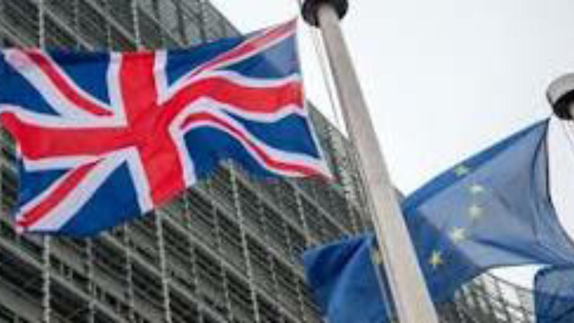 VIDEO: Steagul britanic retras din clădirea Consiliului UE! Marea Britanie a ieşit oficial din UE! Ce schimbări aduce pentru turiști?!