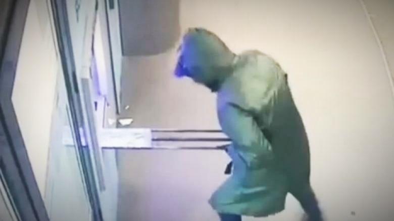 Bancomat aruncat în aer la Sinaia! Hoții sunt căutați de polițiști!