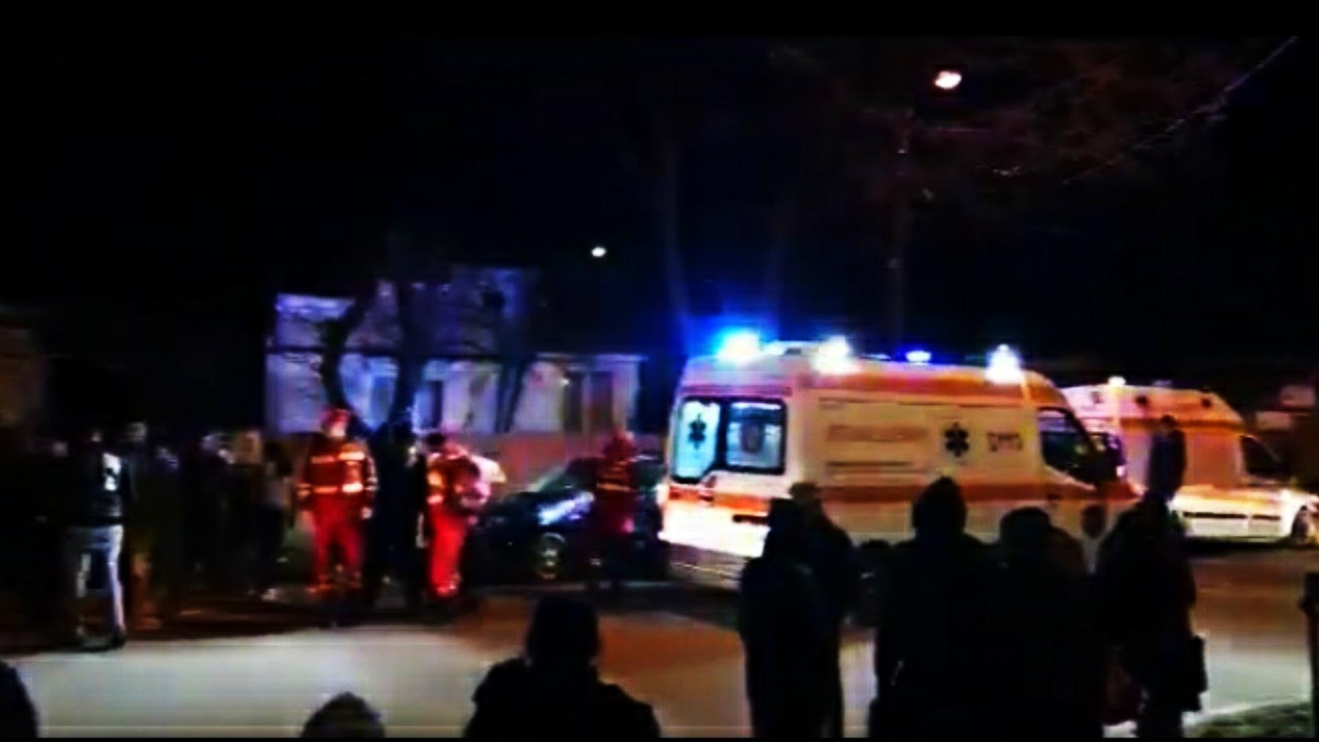 O tânără de 19 ani a călcat cu mașina 5 pietoni, în Vrancea. Tânăra șoferița are permisul luat recent