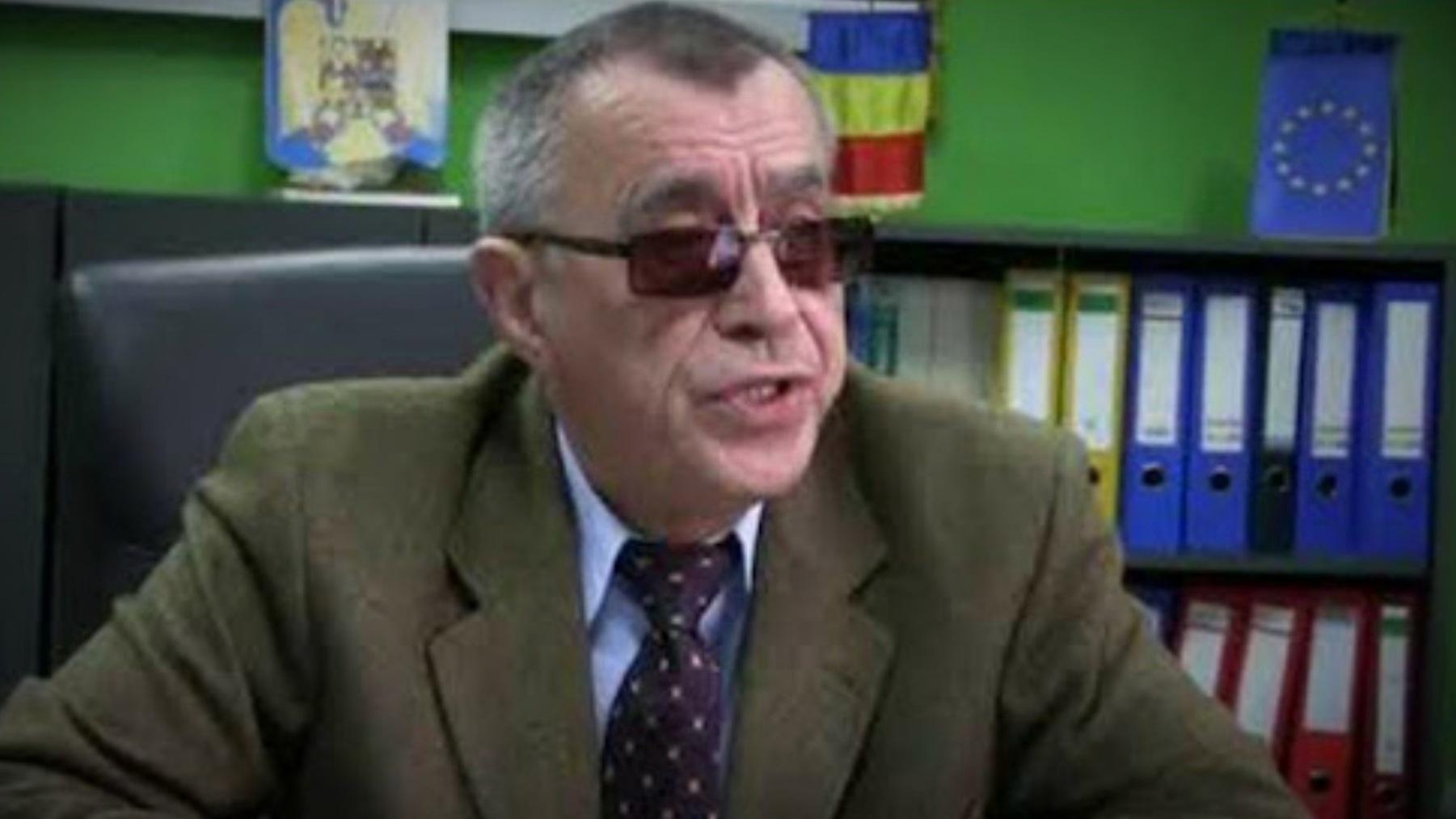Video | Din cârciumă la birou! Interviu acordat în stare avansată de ebrietate. Ce reacție a avut ministerul de care aparține