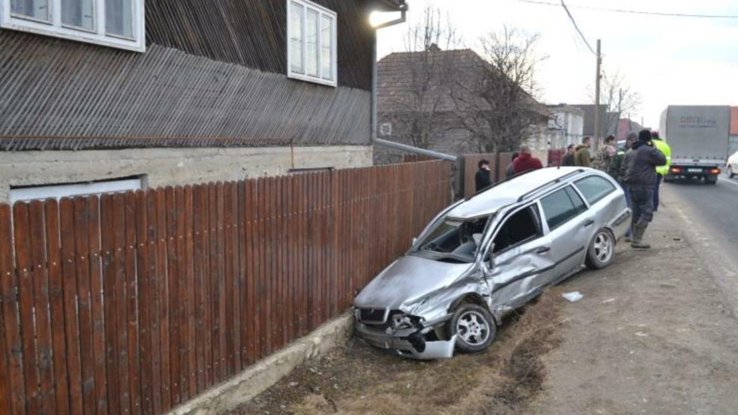 Un șofer de TIR din Bacău a băgat în spital o șoferiță de 22 de ani din Harghita! Tânăra este în stare gravă la spital!