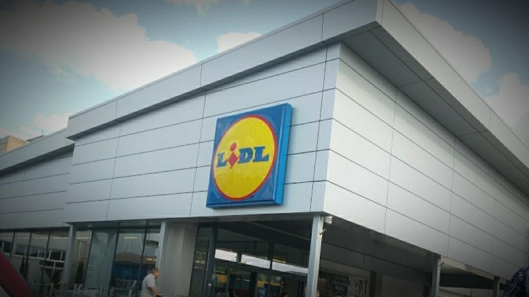 O tânără de 31 ani, angajată la un LIDL din Timișoara a murit printre raioanele magazinului
