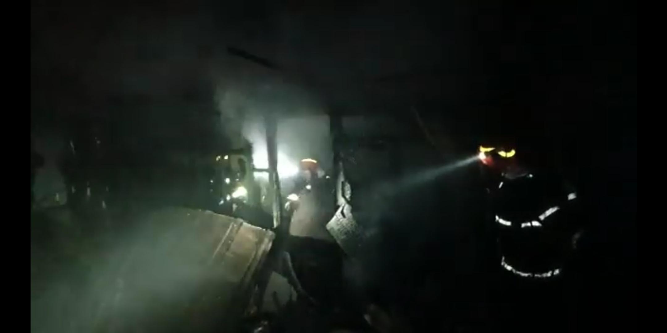 Video | Tată și fiu găsiți morți de pompieri în timpul unei intervenții pentru stingerea unui incendiu, la Timișoara