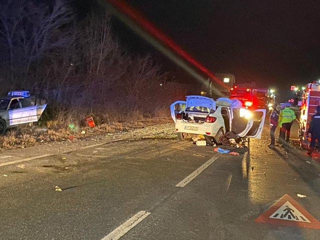 Două persoane rănite, UNA în COMĂ după un accident produs sâmbătă noaptea pe DN6 în județul Mehedinți!