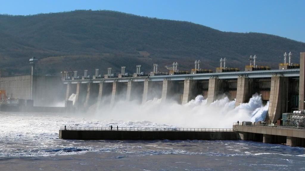 """Hidroelectrica nu a recuperat niciun leu din mld. de dolari incasat de """"băieții deștepți"""" din energie"""
