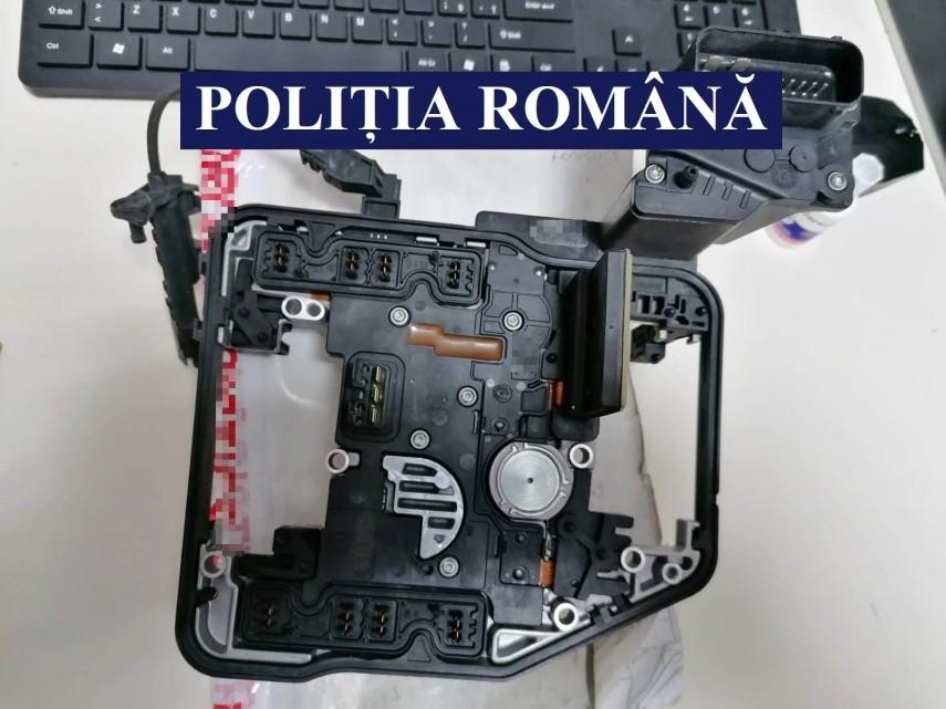 Piese auto contrafăcute ce aveau ca destinație o firmă din Bacău, confiscate de Poliție