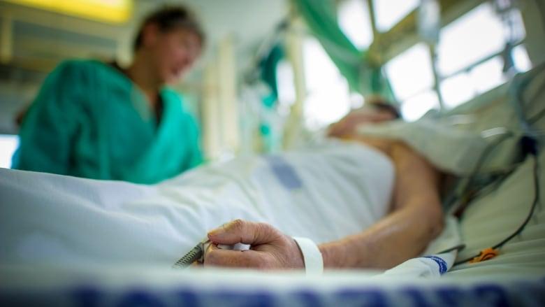 Un nou deces cauzat de GRIPĂ! În total, 35 de persoane au murit în ultimele două luni