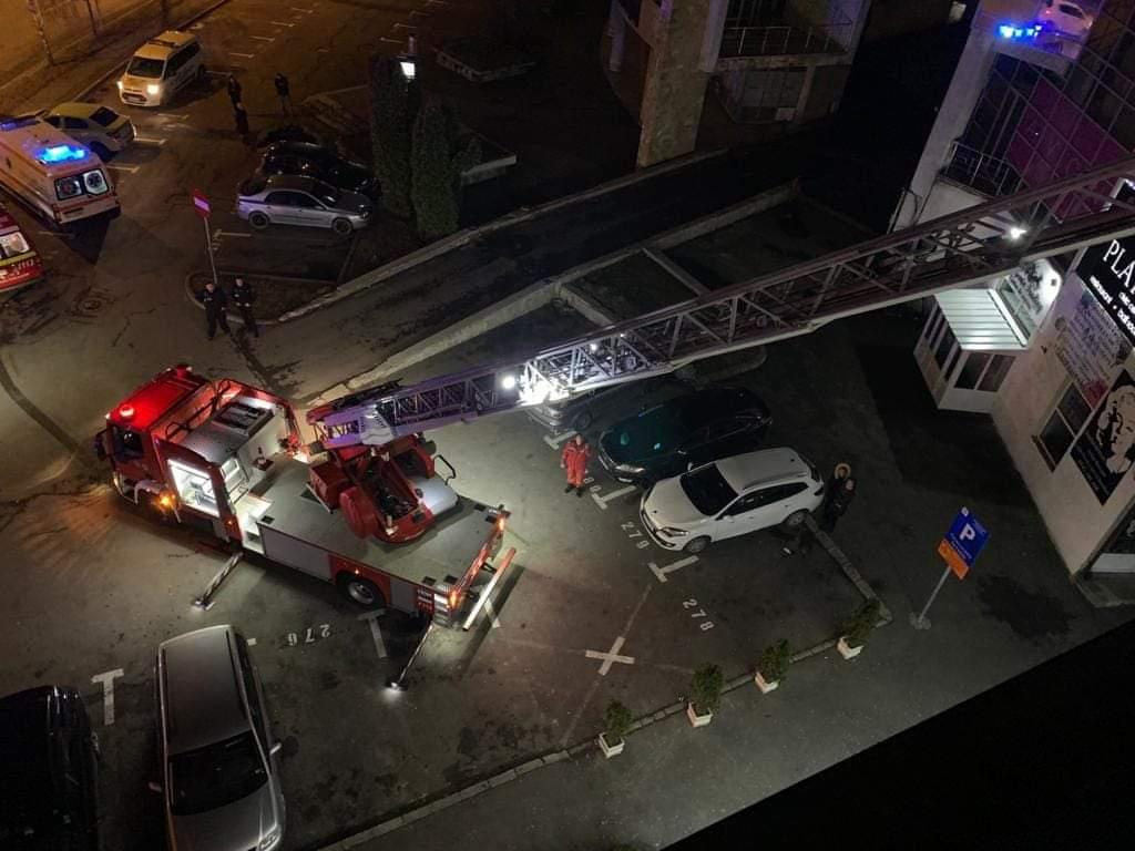 Foto | Alertă în Brașov, un bărbat este în comă după ce a căzut de la o înălțime de 6 m