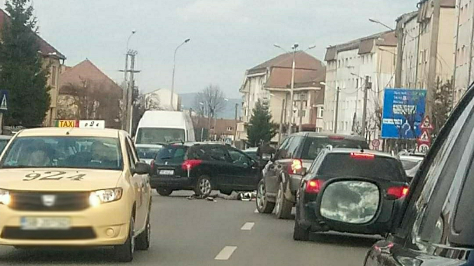 Motociclist lovit de o mașină în Sibiu, șoferul este băut
