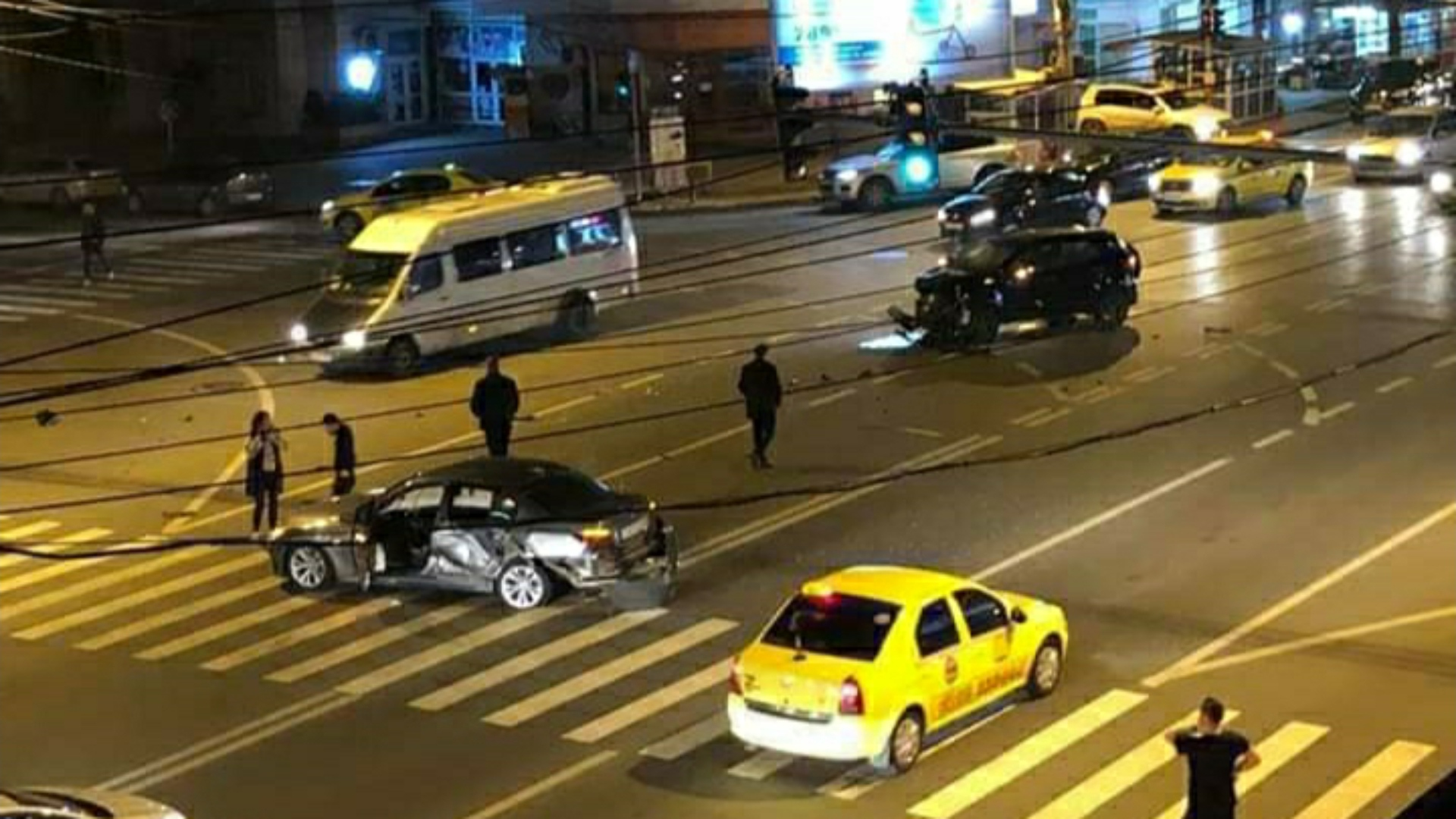 Video | Primarul Iaşului, Mihai Chirica, implicat într-un accident rutier