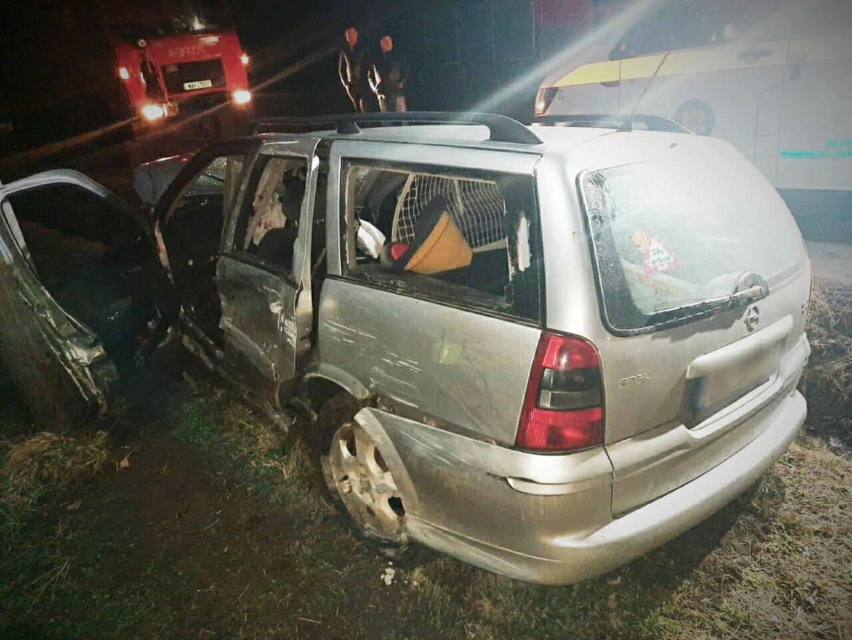 Accident mortal în Suceava: Doi bărbați morți și unul rănit, după ce s-au răsturnat cu maşina