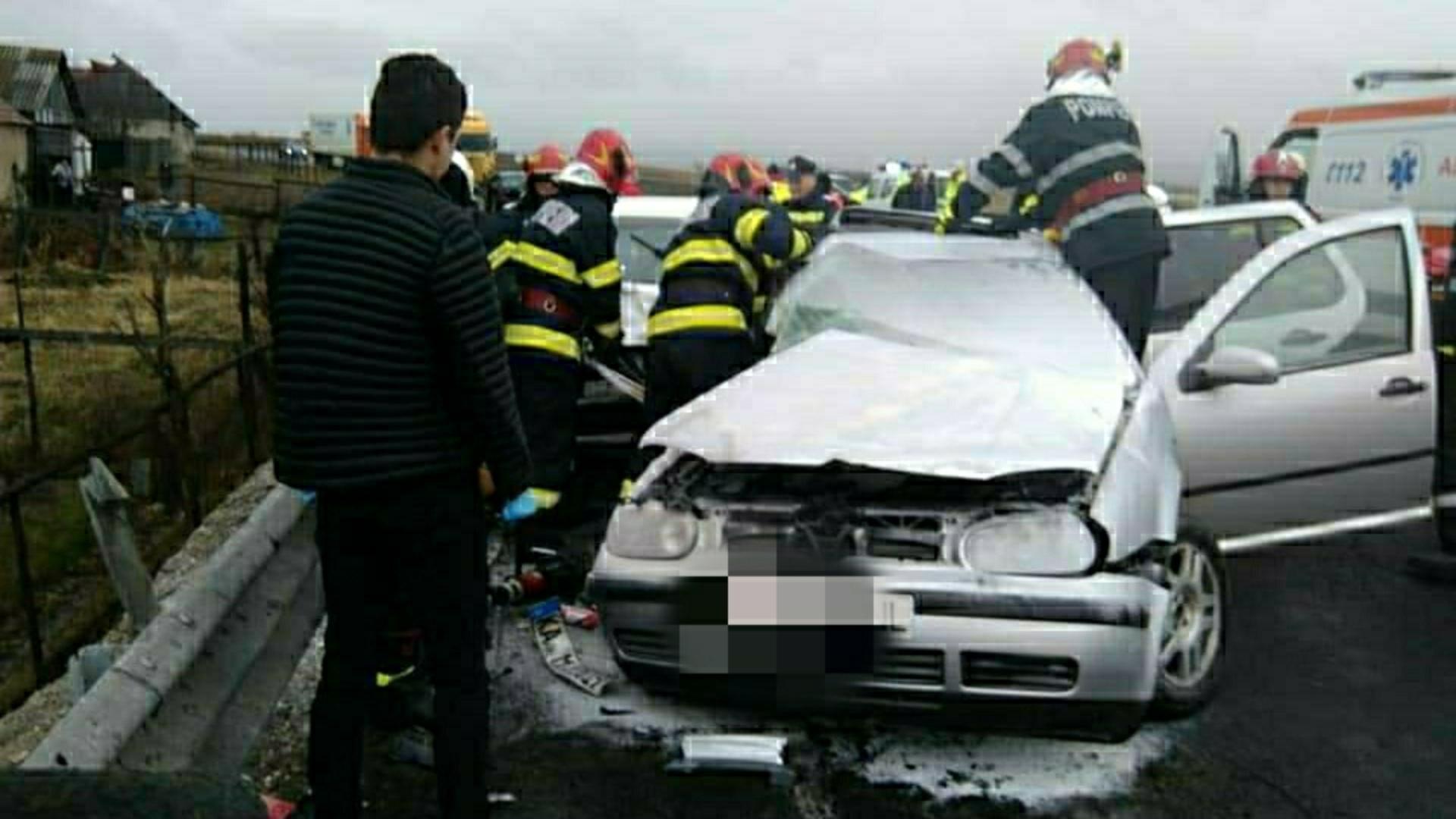 Accident mortal în Brașov, la ieșirea din Vlădeni: un tânăr de 19 a decedat și alte patru persoane sunt grav rănite