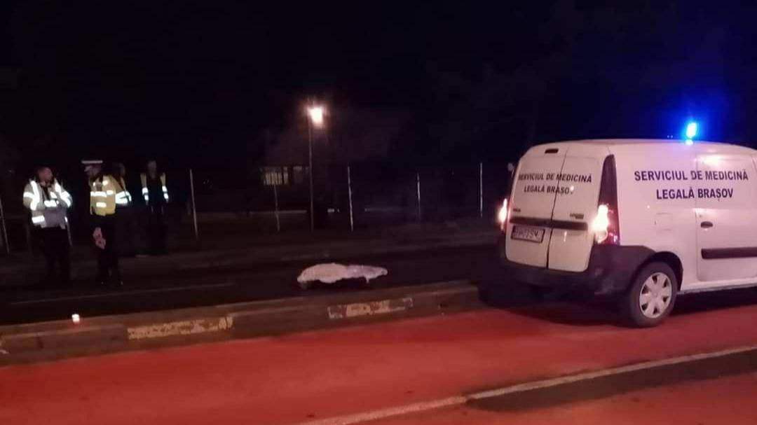 Accident mortal pe DN1, în județul Brașov. Un bărbat a fost spulberat de o mașină