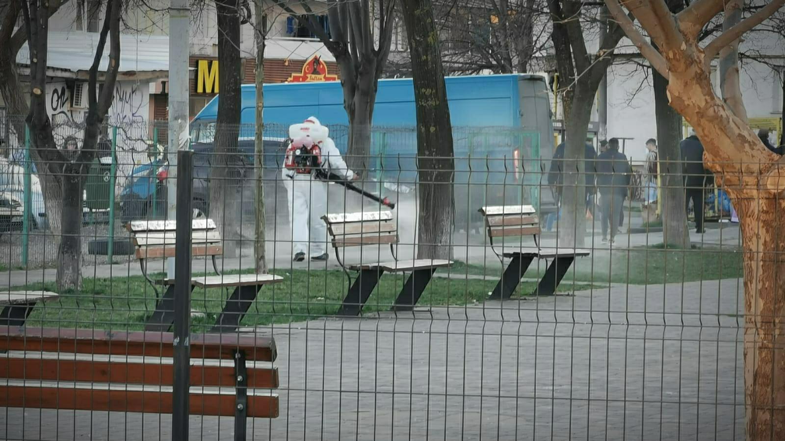Bacău, COVID-19: dezinfecție în spațiile administrației, parcuri, locuri de joacă, mijloacele de transport și locuri publice