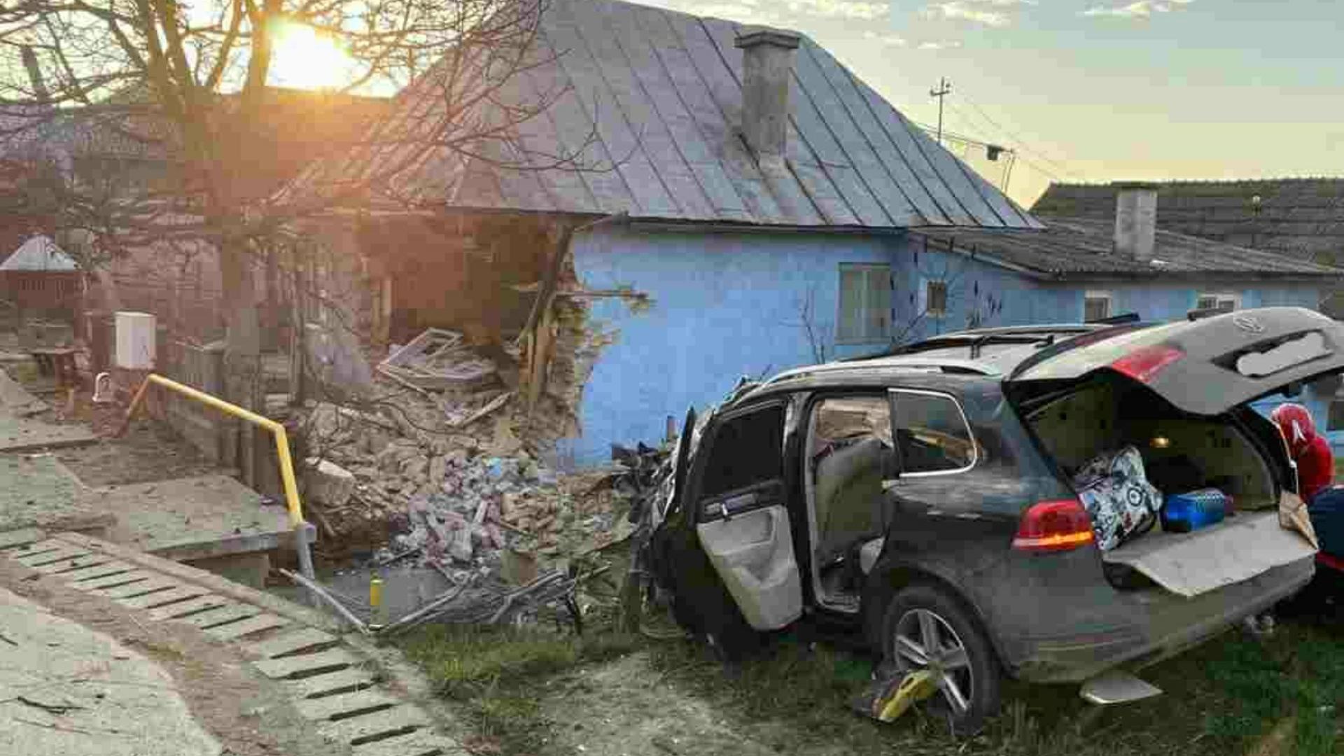 Accident mortal în Bistrița-Năsăud: Un autoturism s-a înfipt într-o casă! O femeie a murit și trei persoane au fost rănite