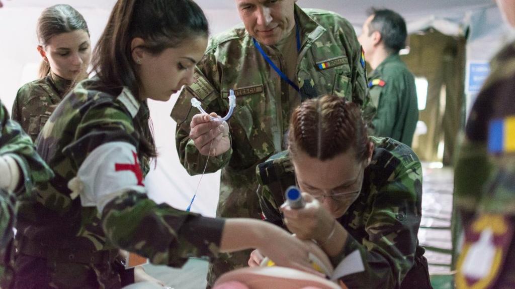 MApN angajează medici, asistenți medicali și farmaciști! Angajări temporare în sistemul medico-militar
