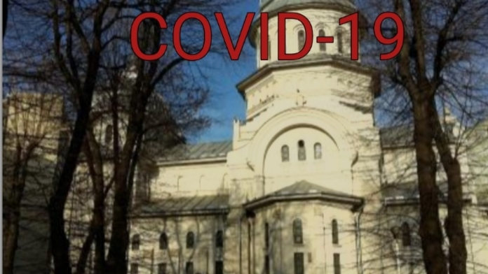 6 cazuri confirmate cu coronavirus într-o biserică din București: 2 preoți, 2 diaconi, cântărețul și femeia care vindea lumânări