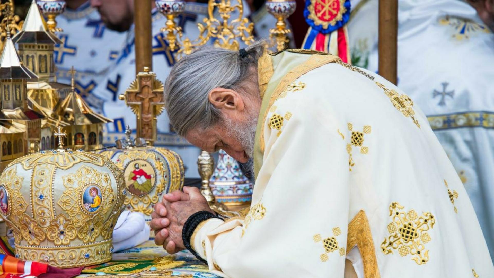 Arhiepiscopia Sucevei și Rădăuților donează două aparate de analiză a testelor pentru COVID-19, Spitalului Județean Suceava